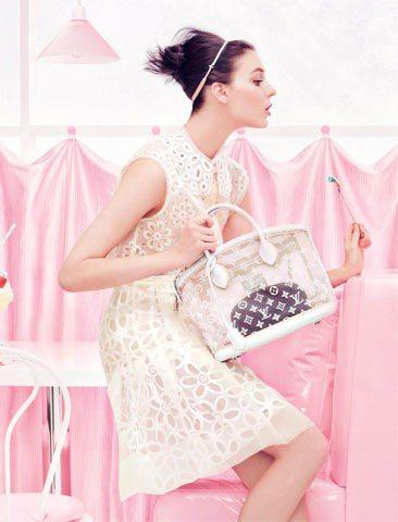 Kati Nescher登上LV 2012春夏廣告。圖/LV提供