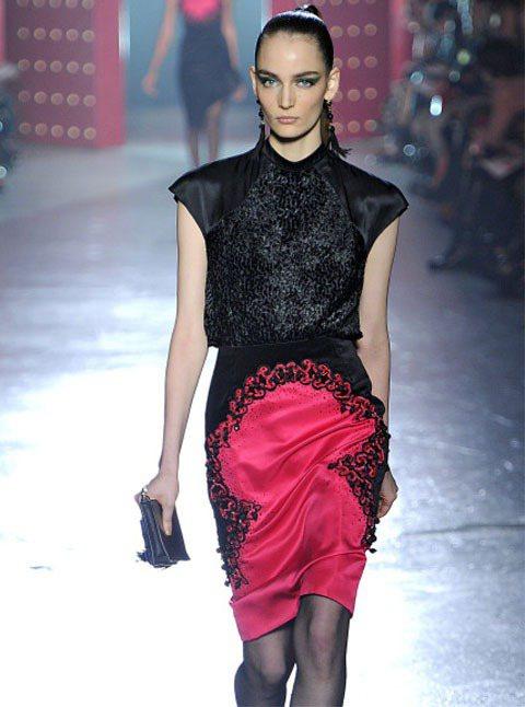 17歲的Zuzanna Bijoch,可說是近期新模當中表現最亮眼的一位。圖為J...