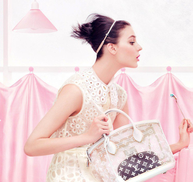 來自俄羅斯的Daria Strokous躍上LV春夏廣告。圖/LV提供