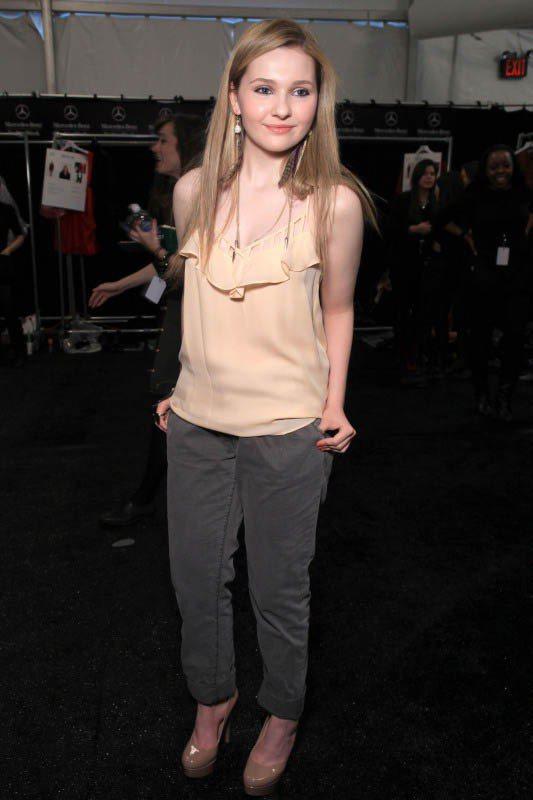 可愛的小太陽Abigail長大了!現在也成為時尚秀的常見名單。圖/美麗佳人提供