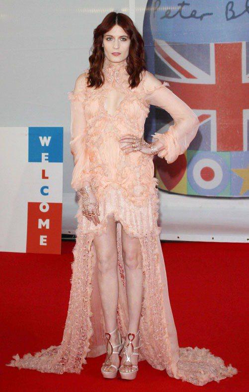 重要場合裡,Florence Welch喜歡將自己變成好萊塢黃金年代的巨星或是穿...