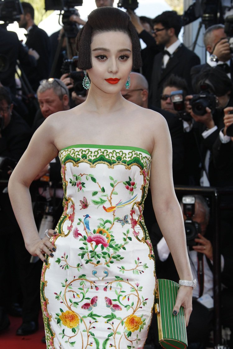 范冰冰配戴蕭邦頂級紅地毯系列珠寶,以唐代復古仕女造型亮相。圖/迪生提供