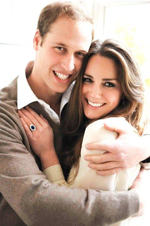 凱特密道頓在與威廉王子的訂婚照中穿的Whistles過季白色上衣詢問度很高。圖/...