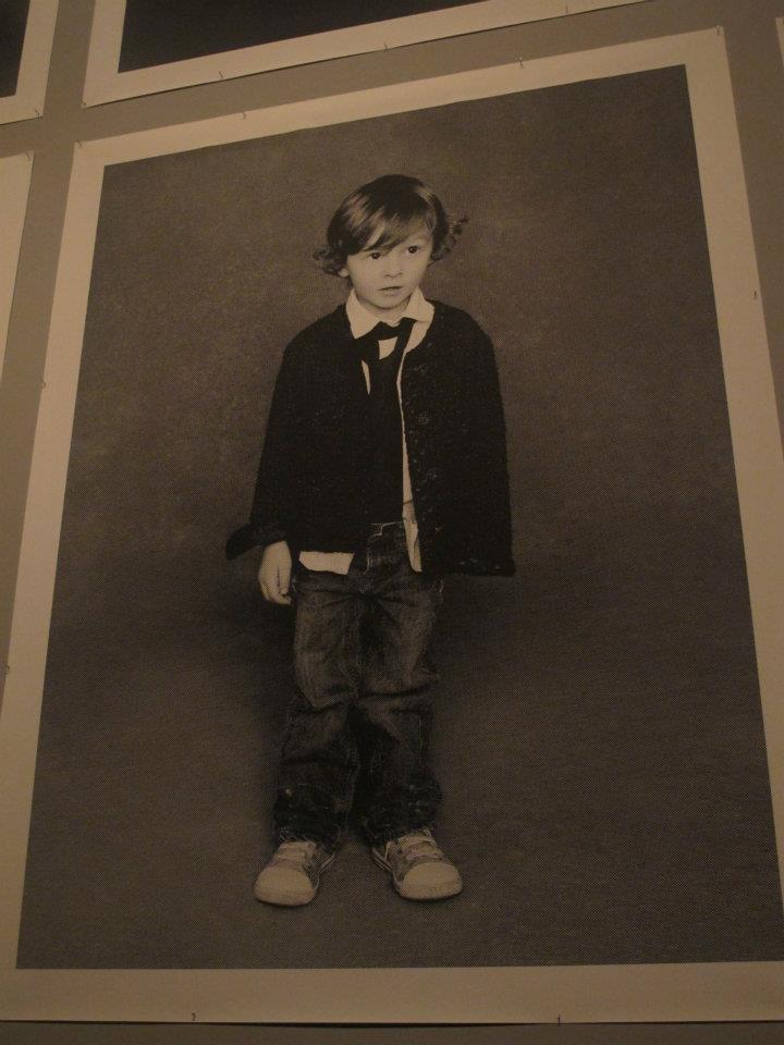 Hudson Kroenig在拉格斐擔任攝影師的黑色小外套展中也曾露面。記者吳曉...