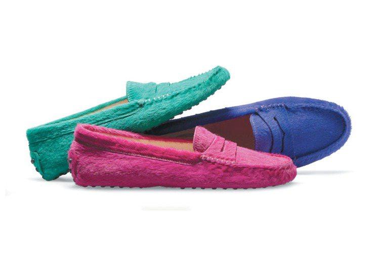 娜歐蜜華茲在戲中手拎Tod's的D Bag包、足蹬Tod's豆豆鞋。圖/迪生提供