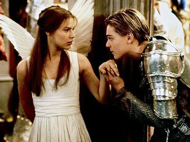 《羅密歐與茱麗葉》中李奧納多與克萊兒丹妮絲化身現代純情男女主角,重現莎士比亞的經...