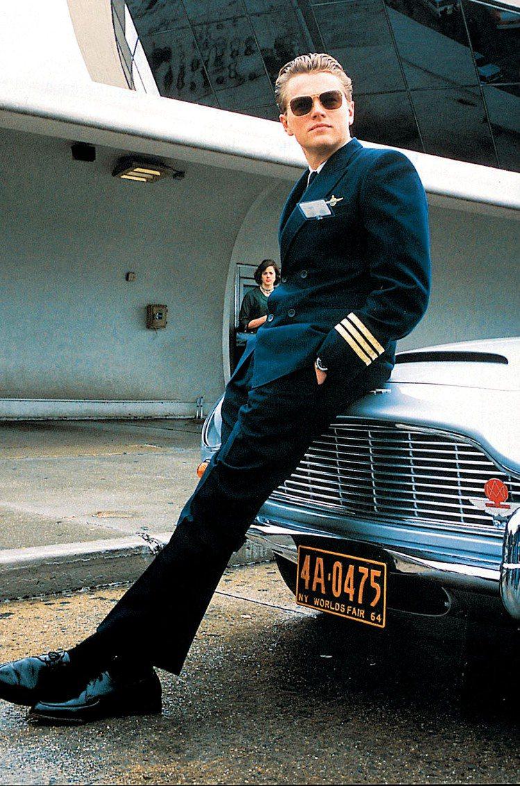 李奧納多在《神鬼交鋒》扮帥氣機師。圖/達志影像