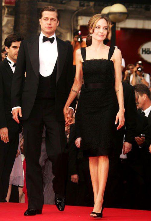 蕾絲元素融入黑色小洋裝,展現復古優雅女人味。圖/擷取自stylebistro.c...