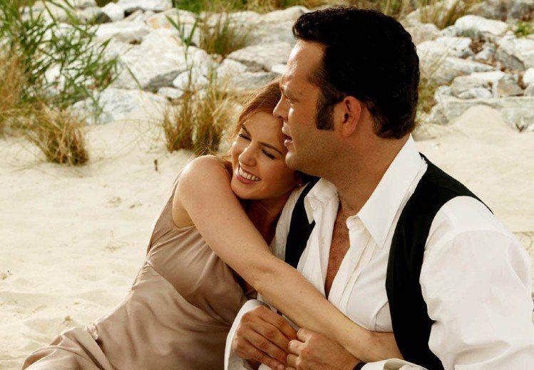 艾拉費雪在《婚禮終結者》裡飾演有控制狂的瘋癲千金小姐。圖/華納提供