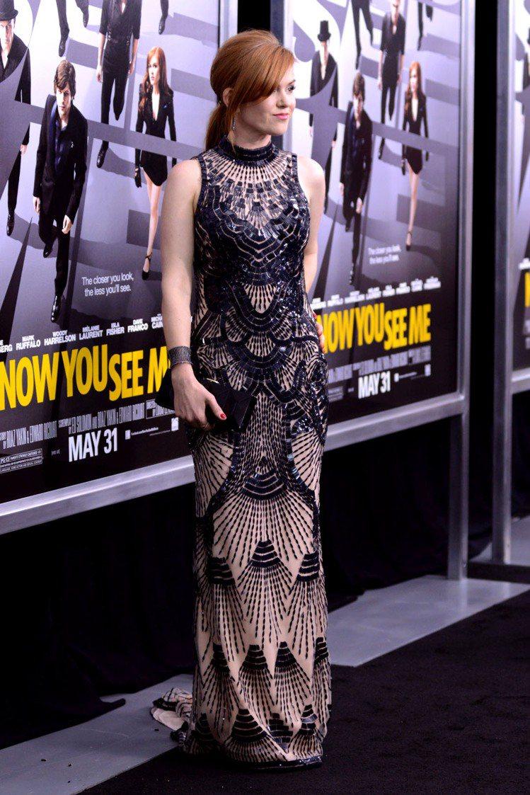 不曉得是不是受《大亨小傳》的影響,艾拉費雪最近選的禮服都比較偏向華麗復古風。圖/...