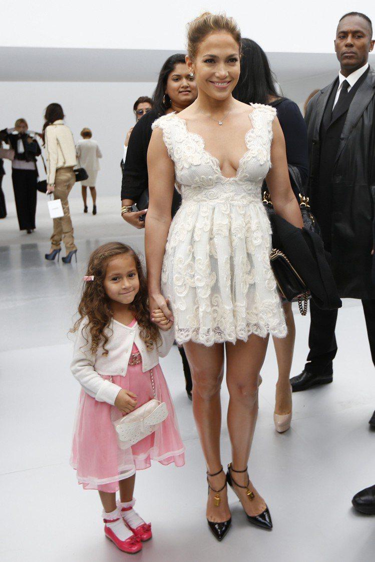 珍妮佛洛佩茲是「選鞋品味最佳女星」第四名。圖/路透