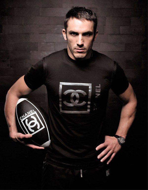 Sébastien Jondeau 也不算是真正的代言新面孔,他先前就曾為 CH...