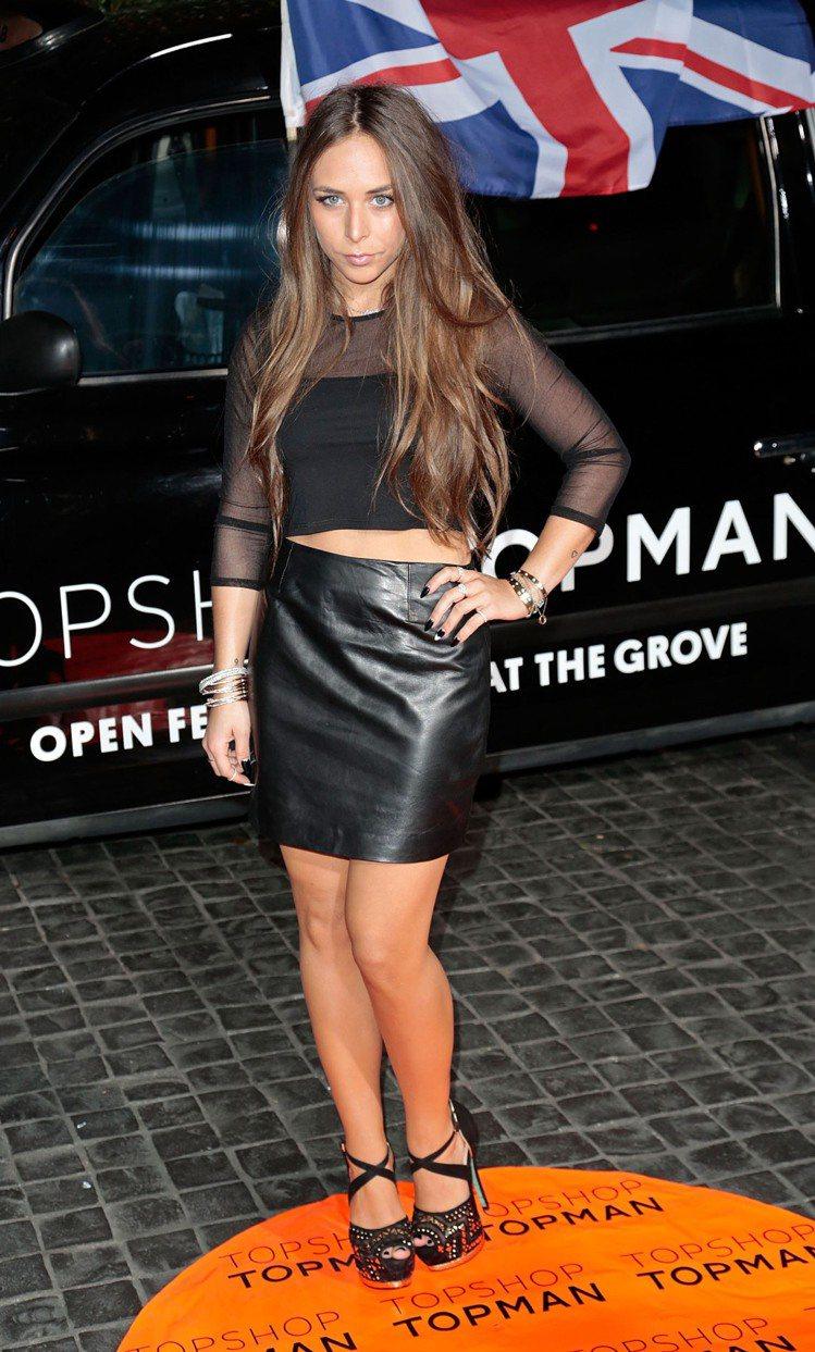 Chloe Green常選擇黑色系的服裝,走十足英國街頭的風格。圖/達志影像