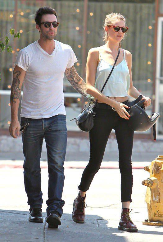 魔力紅Maroon 5主唱Adam Levine和維多利亞的秘密名模Behati...