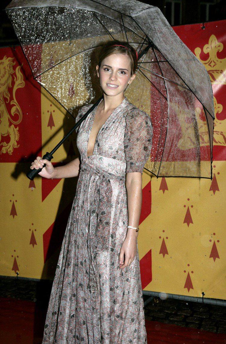 艾瑪華森,2009,宣傳《哈利波特:混血王子的背叛》。圖/達志影像