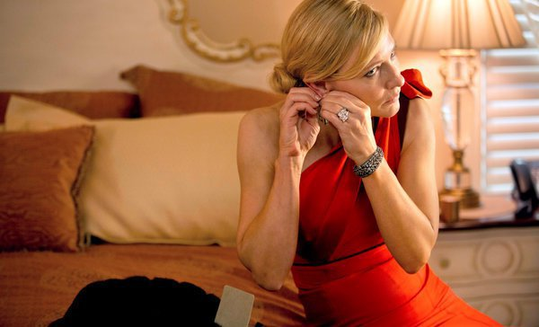 凱特布蘭琪在伍迪艾倫的新作《藍色茉莉》中,接下安排角色戲服的重任。圖/索尼提供