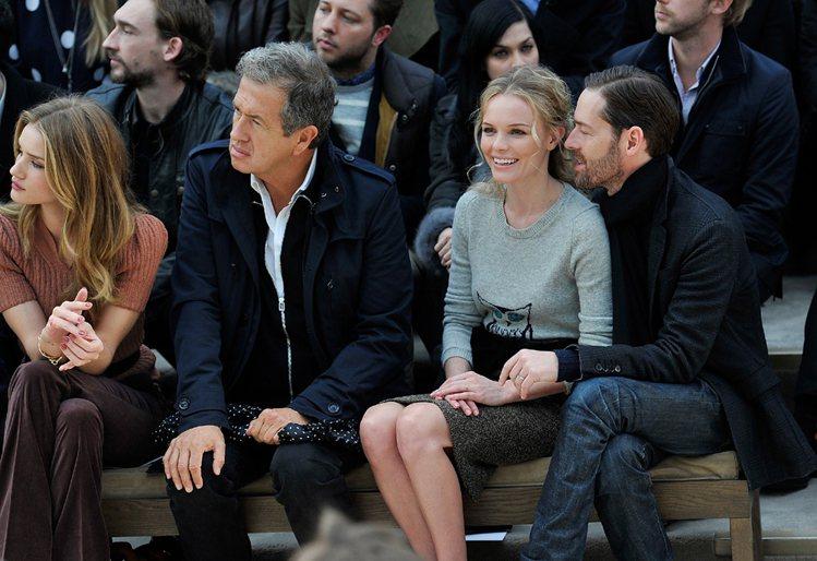 好萊塢甜心 Kate Bosworth (中)與導演老公 Michael Pol...