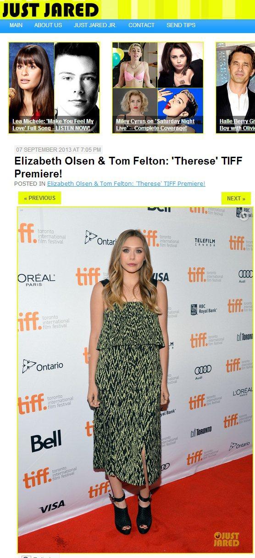 伊莉莎白奧森穿了另一套波希米亞風的綠色肩帶洋裝,便利用繫帶露趾高跟鞋平衡長裙帶來...