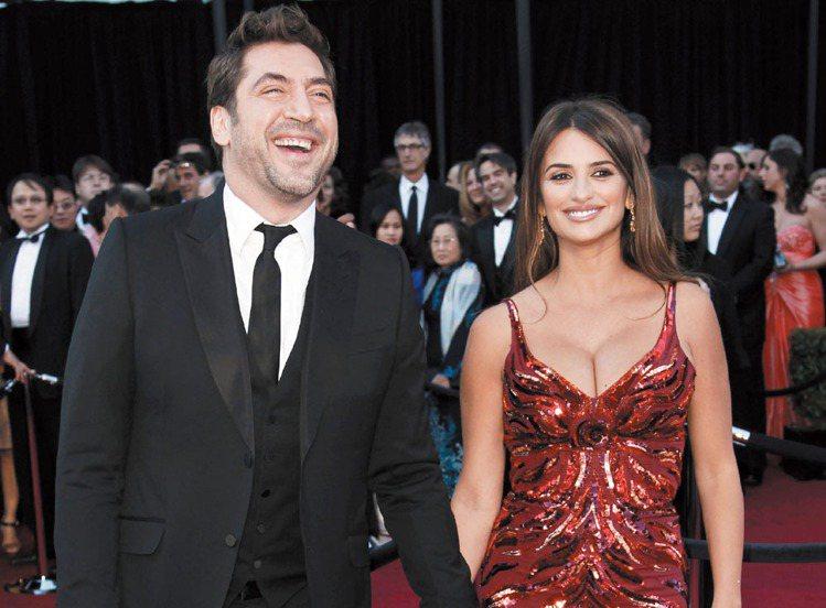 西班牙女星潘妮洛普克魯茲(右)產後身材依然火辣。圖/美聯社