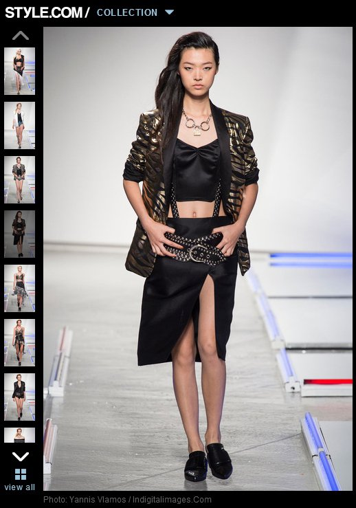 Rodarte的設計,經常可以看到高貴帶點奢華感的特殊剪裁,即使是俐落的西裝外套...