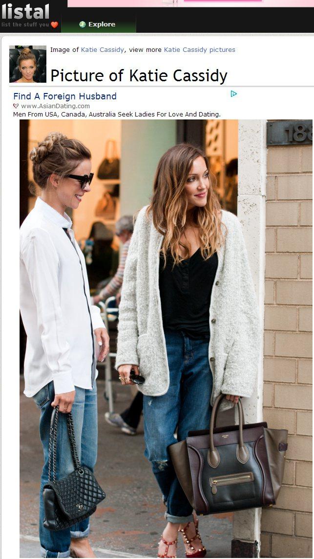 柔軟的毛呢外套緩和了黑色與牛仔褲的COOL感。圖/擷取自listal.com
