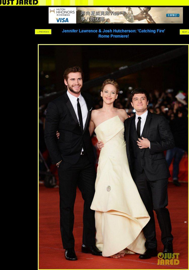 珍妮佛勞倫斯和電影中兩位主要男演員 Liam Hemsworth 與 Josh ...