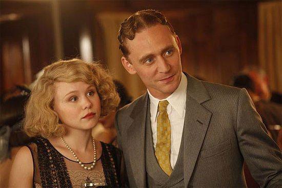 湯姆希德斯頓曾在名導伍迪艾倫的電影《午夜巴黎》中飾演有著瀟灑外表及一口性感嗓音的...