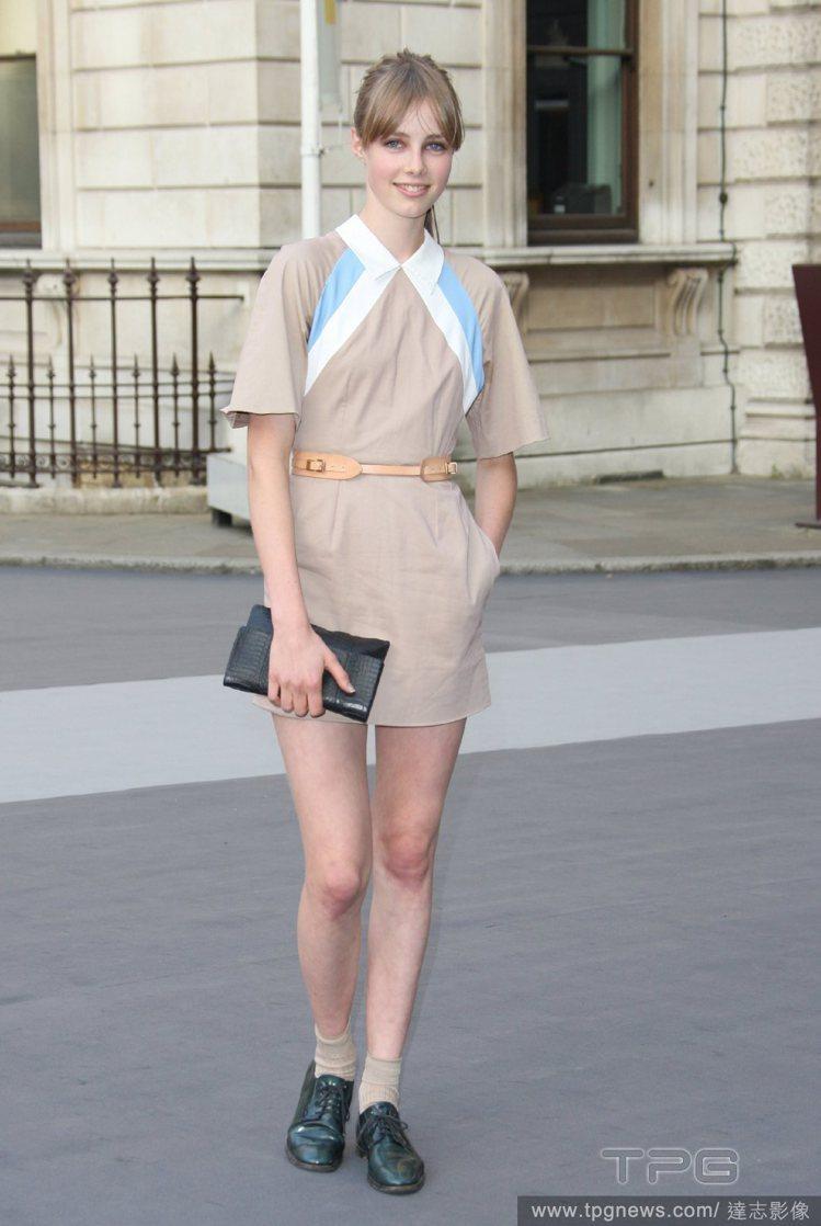 Edie Campbell 的私服造型曾入選2010年最佳著裝明星榜中,也曾被稱...