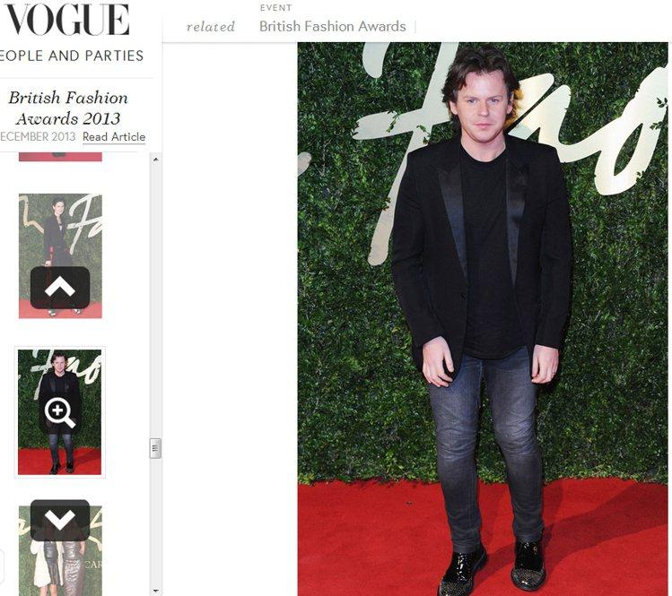 Christopher Kane 抱走年度女裝設計師獎。圖/擷取自vogue.c...