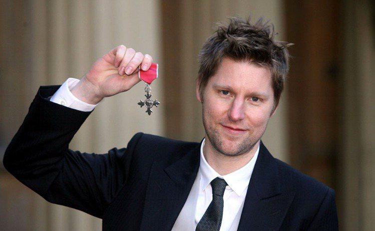 Burberry 得到年度男裝設計師、年度設計師品牌獎,圖為創意總監Christ...