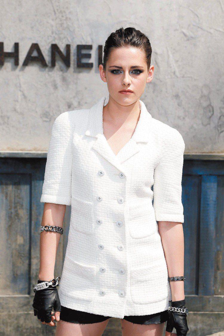 克莉絲汀史都華(Kristen Stewart)確定成為 CHANEL 的新代言...