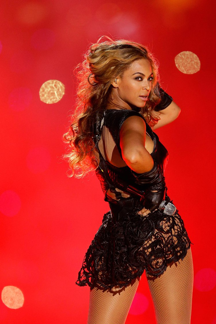 美國流行天后碧昂絲(Beyoncé)日前發行的專輯創下在 iTunes 銷售最快...