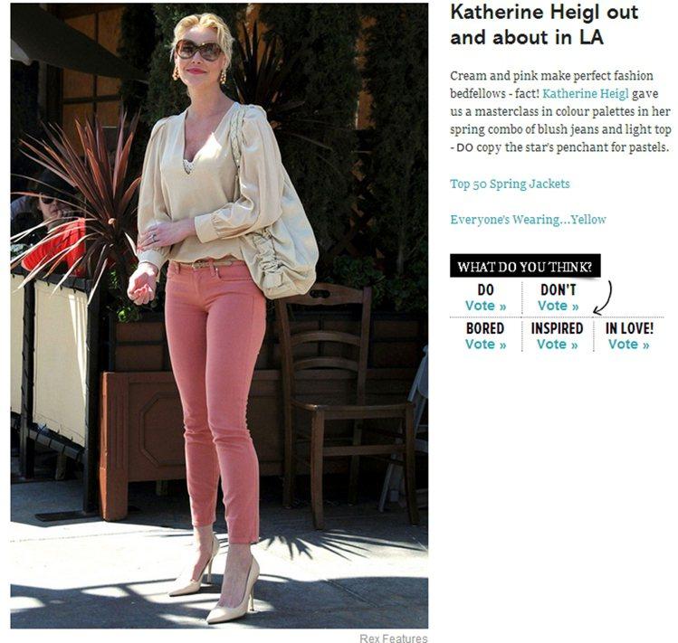 滿古典風的蓬袖款式,也能以窄款褲做搭配,玫瑰粉提亮了米白上衣與高跟鞋,看起來就像...