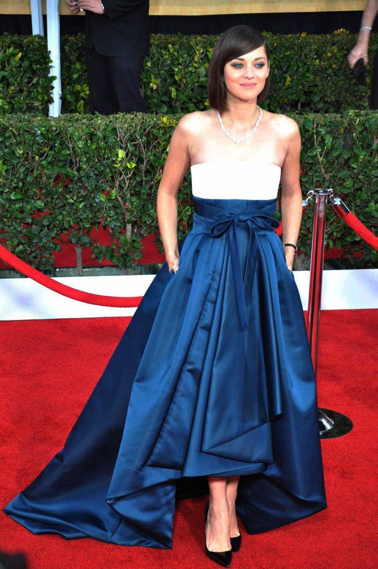 瑪莉詠柯蒂亞Dior蓬裙美麗大器。記者馬雲/攝影