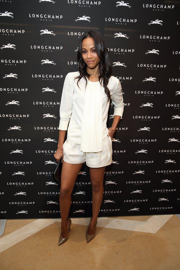 柔伊莎達娜對雜誌透露說, Calvin Klein 的創意總監 Francisc...