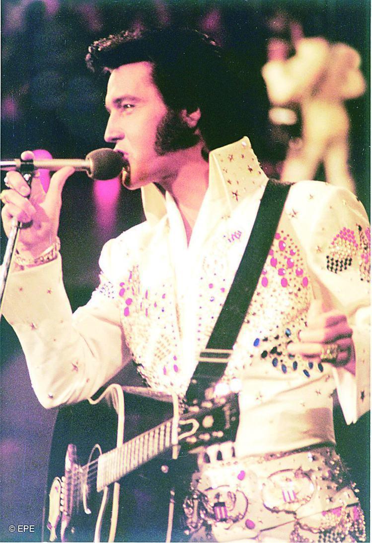 貓王 Elvis Presley 的飛機頭是全球知名的超級經典髮型。圖/美聯社