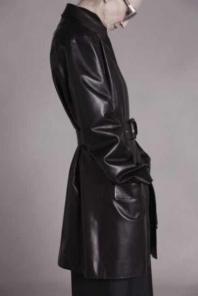 奧森姊妹花本季則請到了65的 Linda Rodin 入鏡自創品牌 The Ro...