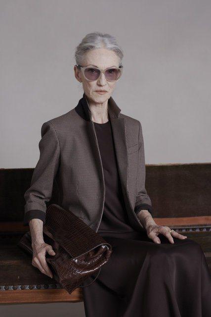 除了擔任過模特兒外,也曾經是時尚編輯的 Linda Rodin 對於這次拍攝也感...