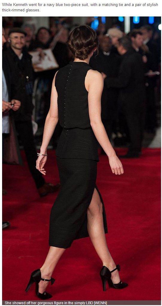 Proenza Schouler 黑色削肩洋裝由瘦高的綺拉奈特莉穿起來相當高雅端...
