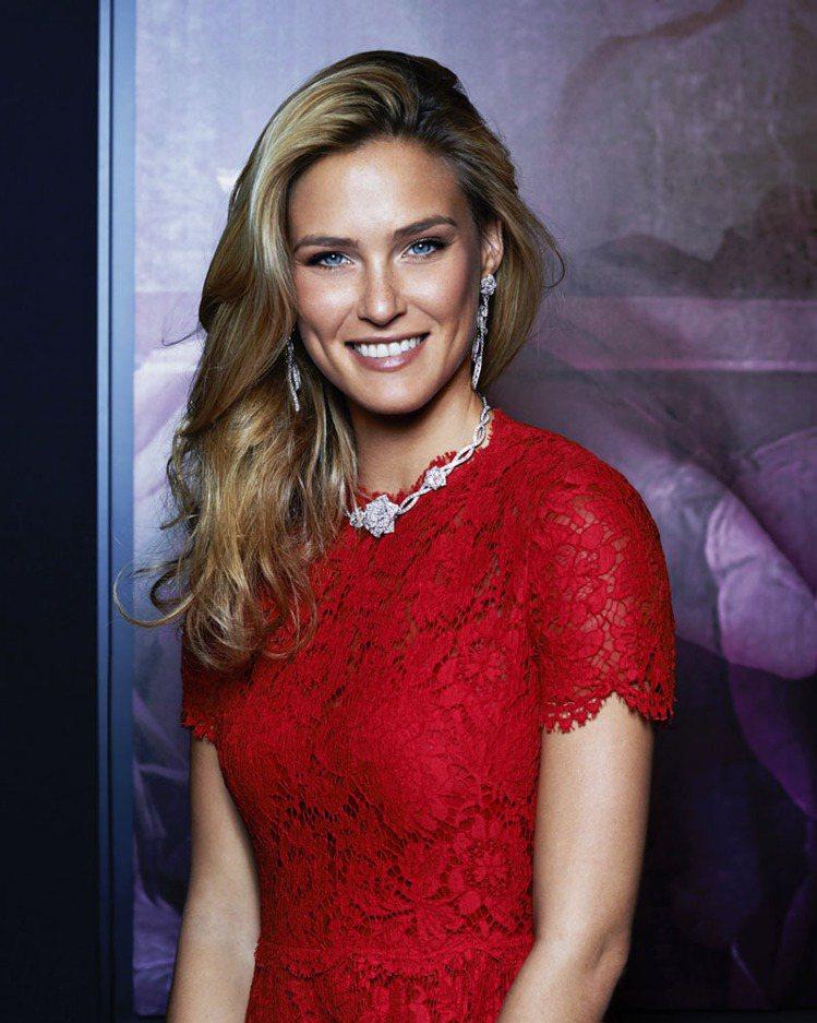 以色列名模芭兒拉法莉出席伯爵ROSE PASSION高級珠寶系列發表派對。圖/伯...