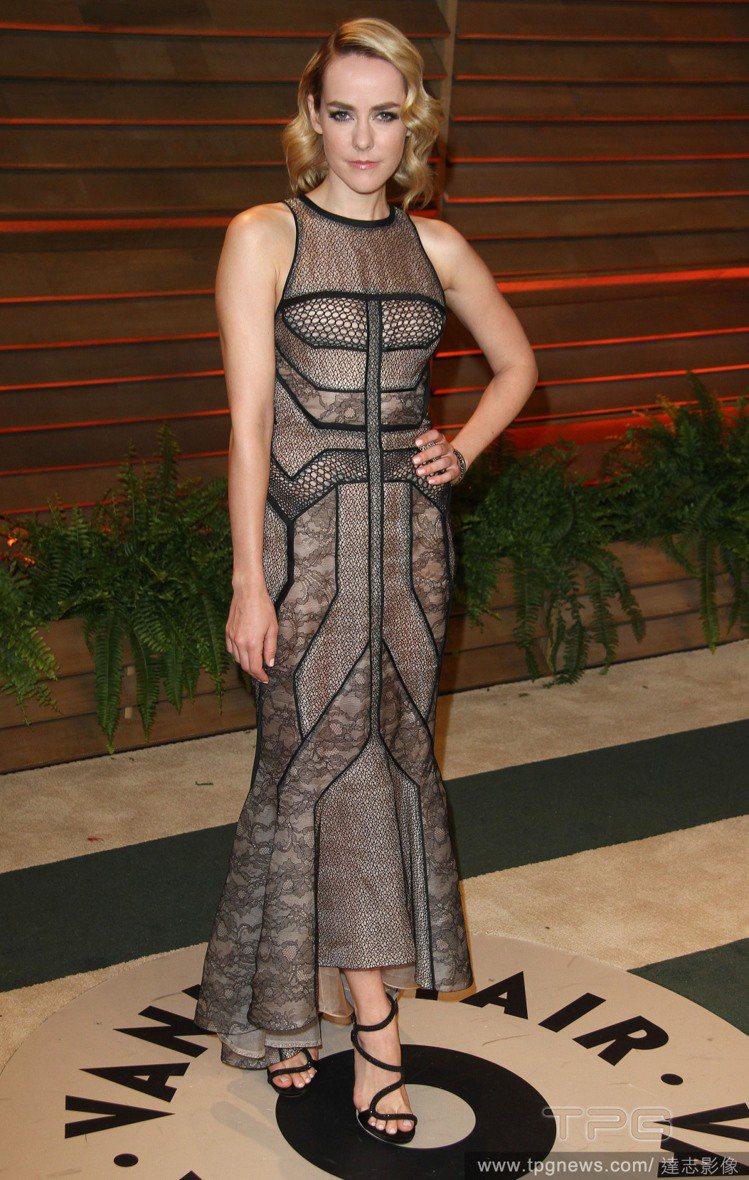 吉娜馬隆穿 Dana Rebecca Designs透視禮服出席奧斯卡會後派對。...