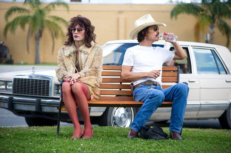 傑瑞德雷托在《藥命俱樂部》中飾演愛變裝的愛滋病患,拿下奧斯卡最佳男配角獎。圖/威...