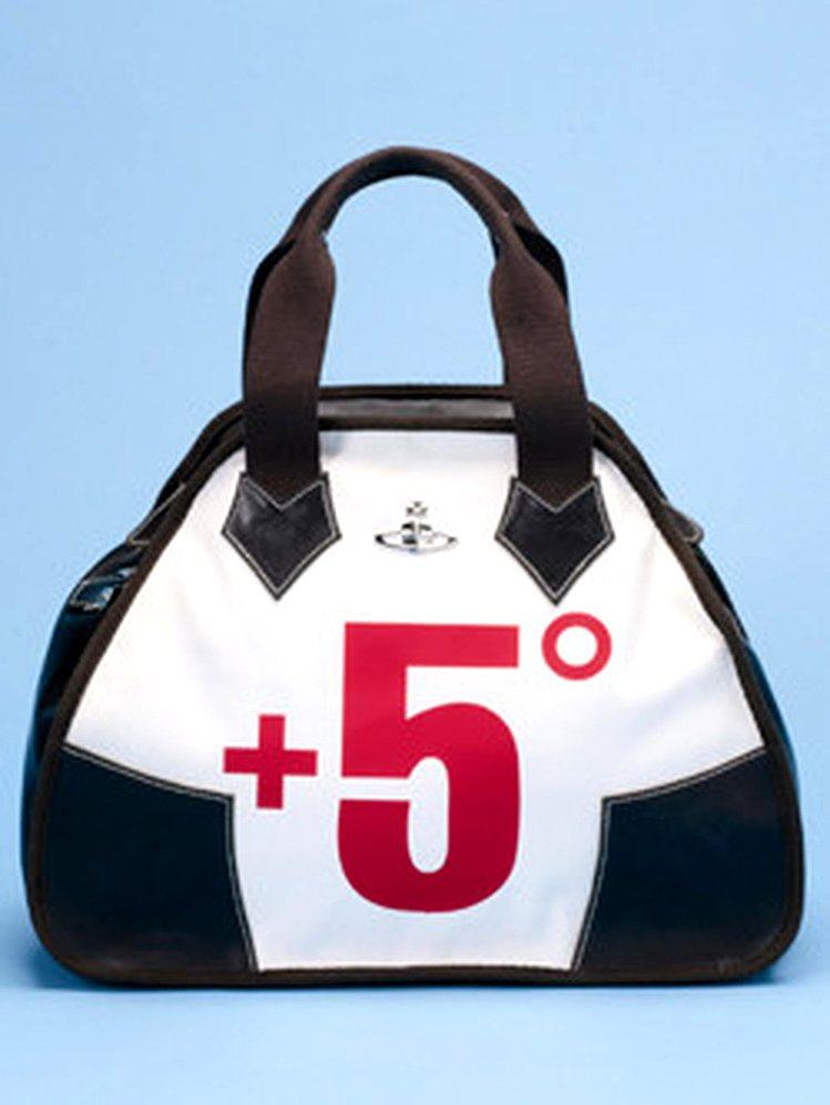 Vivienne Westwood曾推出「+5°」包,「+5°」意指每排放400...