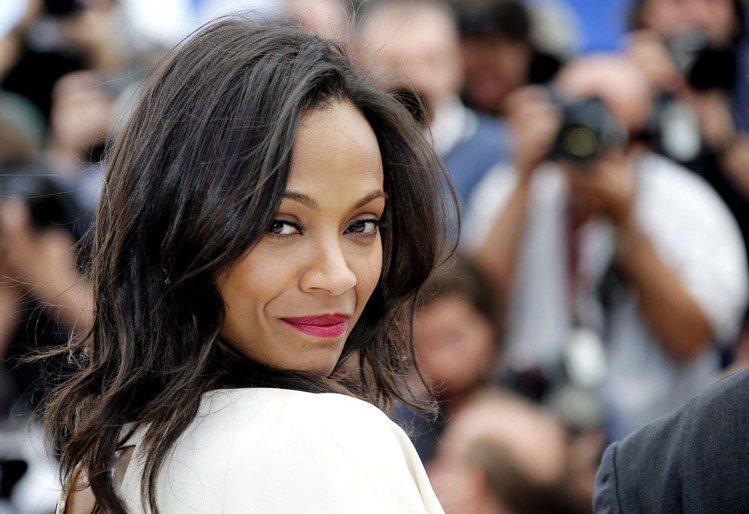 黑人女星柔伊莎達娜在近日加入 L'Oreal 巴黎萊雅全球代言陣容。圖/美聯社