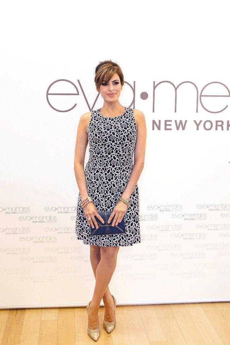 伊娃曼德絲和服飾業者推出聯名系列,並為其在洛杉磯推出的快閃店造勢。圖/達志影像