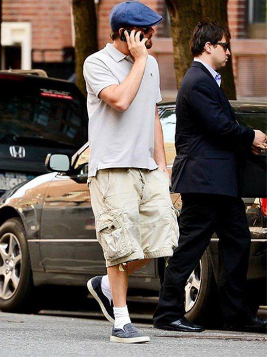 李奧納多平常喜歡穿得「很舒服、很隨性」,白短襪是他最愛的造型單品。圖/擷取自st...