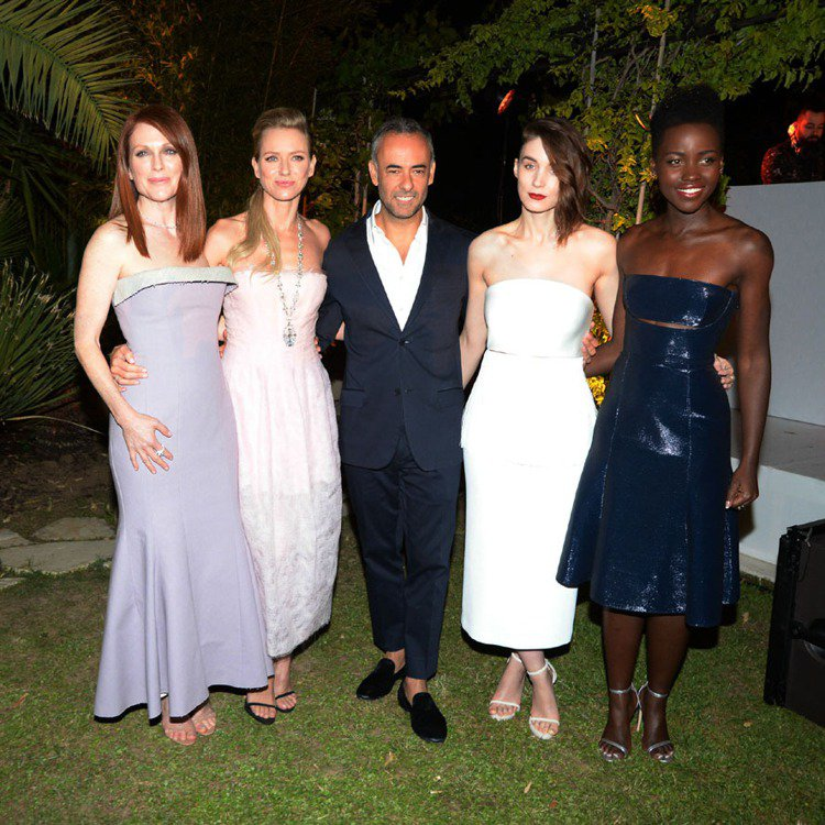 (左起)茱麗安摩爾、娜歐米華茲、魯妮瑪拉與露皮塔妮詠奧都選擇Calvin Kle...
