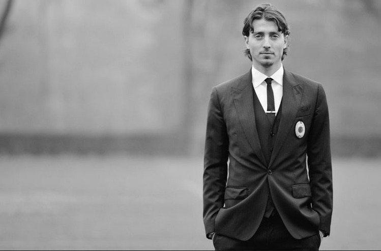 義大利29歲的隊長里卡多蒙托里沃被稱為羅馬王子「托蒂」的接班人,本來應帶領國家隊...
