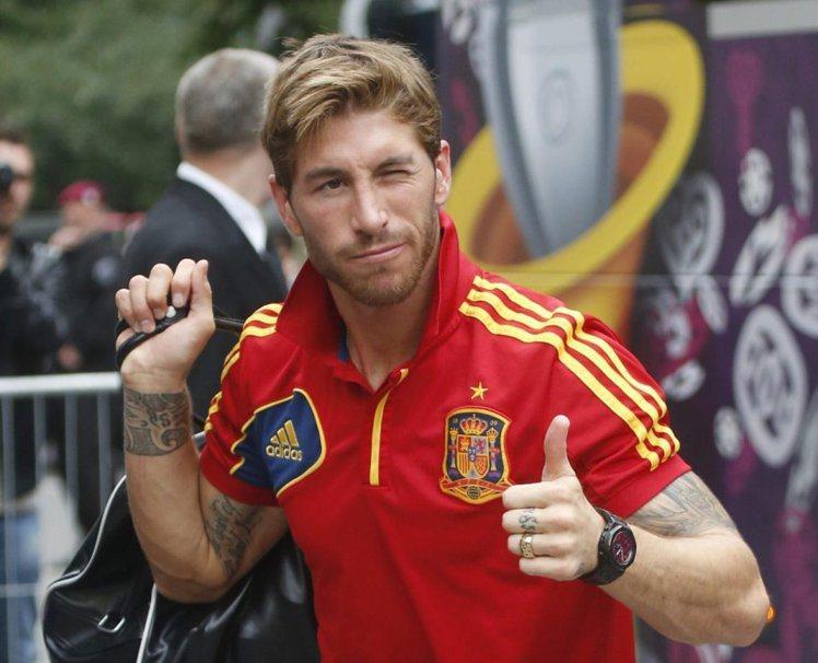西班牙國家隊拉莫斯,很喜歡豎起大姆指比讚。圖/達志影像