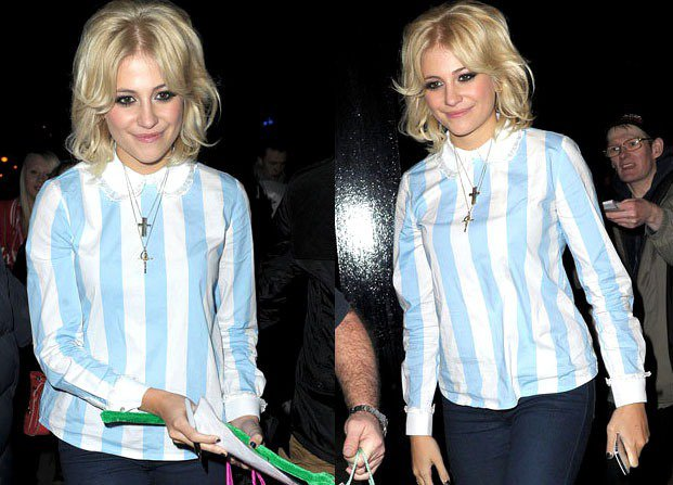 英國音樂精靈 Pixie Lott 曾被拍到身穿與阿根廷隊服同樣配色的上衣參加活...